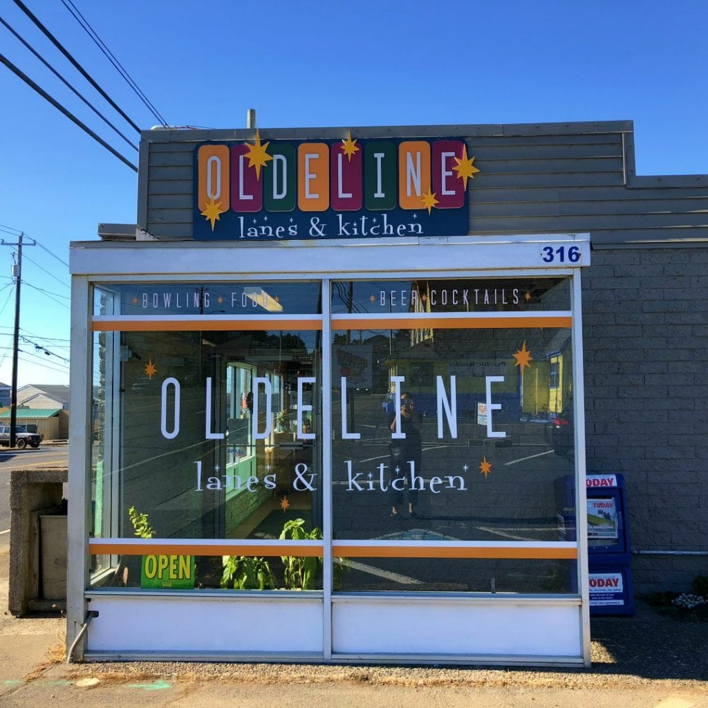 Olde Line Lanes Bowling Alley, Top things to do in lincoln city Oregon, Best things to do in Oregon, Things to do on the Oregon Coast