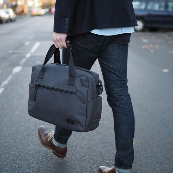Limited Edition Pacsafe Carryology X Briefcase Review