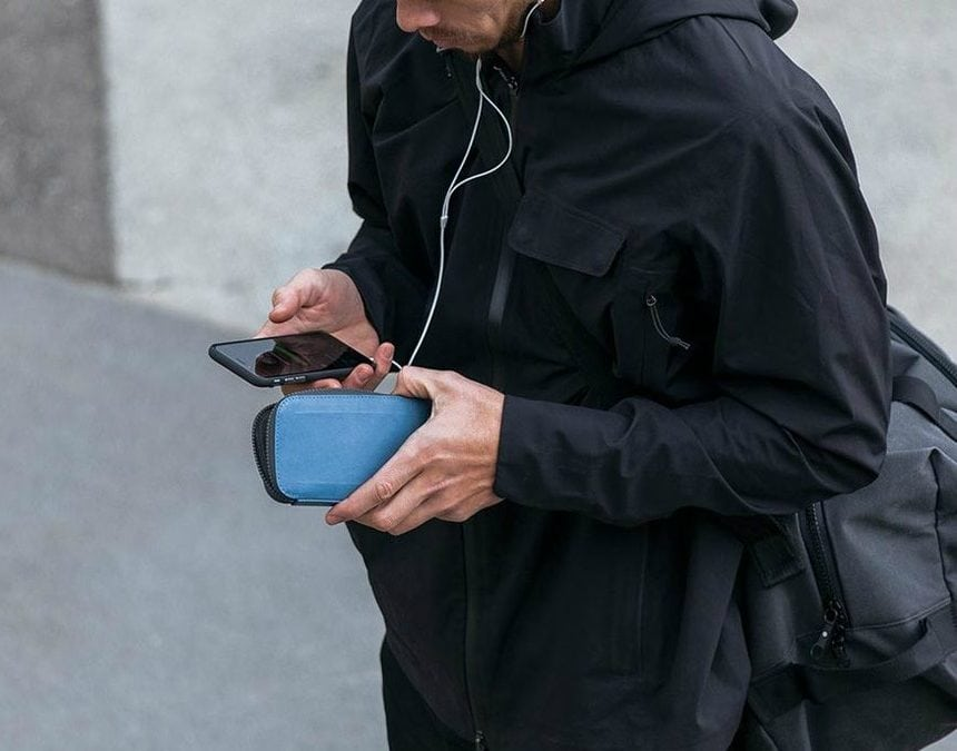 Bellroy All Conditions Phone Pocket Review