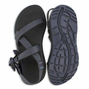 Must Have Summer Footwear for Travel, Best Sandals for Travel, Best socks for summer, Summer Travel Footwear